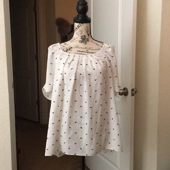 Elle Tops - Elle XL White Blouse with Hearts/Tie Bow on Back
